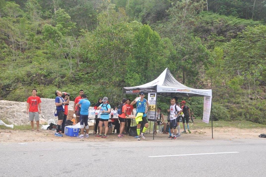 Water station under my supervision (photo by Cheah CC)