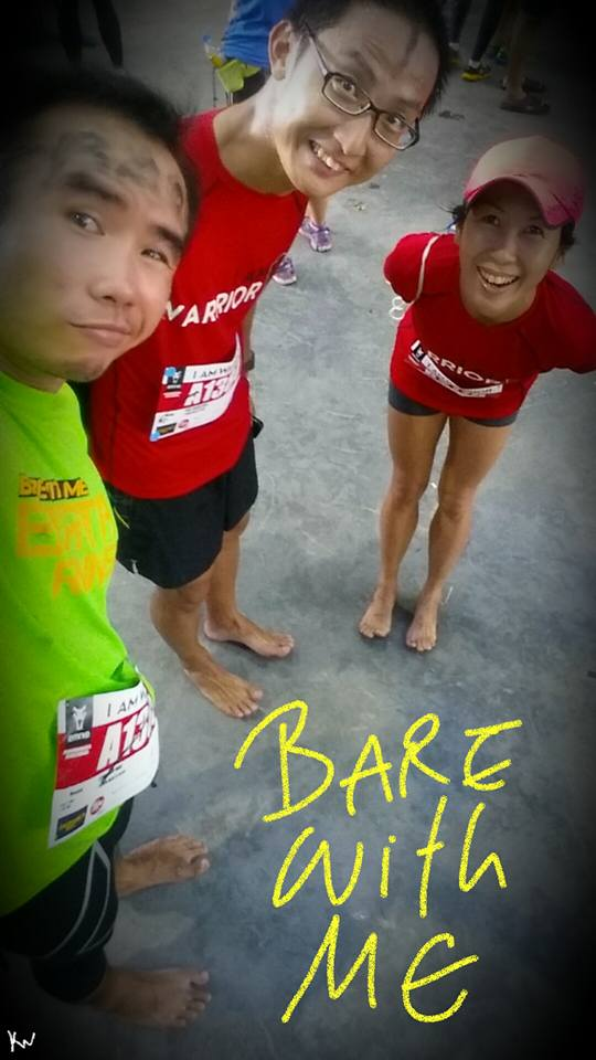 Barefoot runners (photo by Kahwai)
